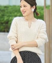 柄編みキーネックプルオーバー