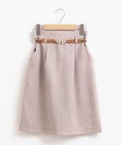 パールベルト付Iラインスカート