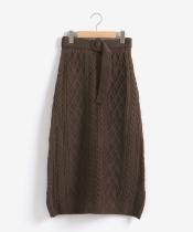 ケーブルロングニットスカート