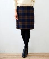 シャギーチェックゴールドボタンタイトスカート