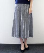 ヘリンボーンフレアニットスカート