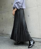 シンセティックレザープリーツスカート