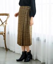 バックル付ラップデザインタイトシルエットスカート
