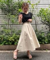 バックボタントレンチスカート
