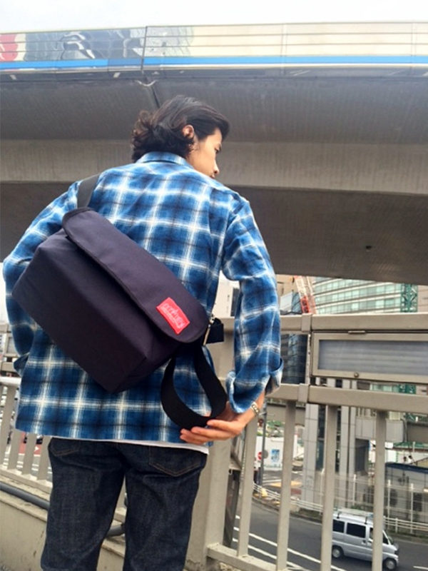 大人気 Messenger Bag!